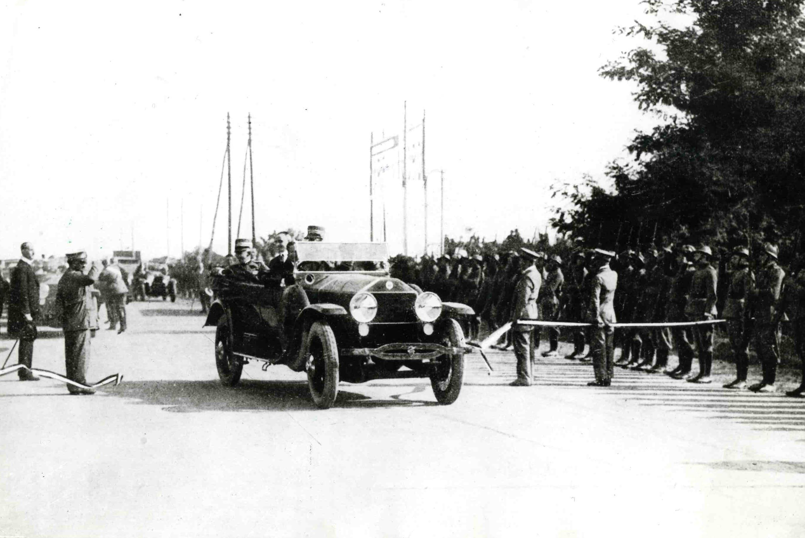 Otwarcie Autostrady Jezior - pierwszej autostrady we Włoszech - 21 września 1924