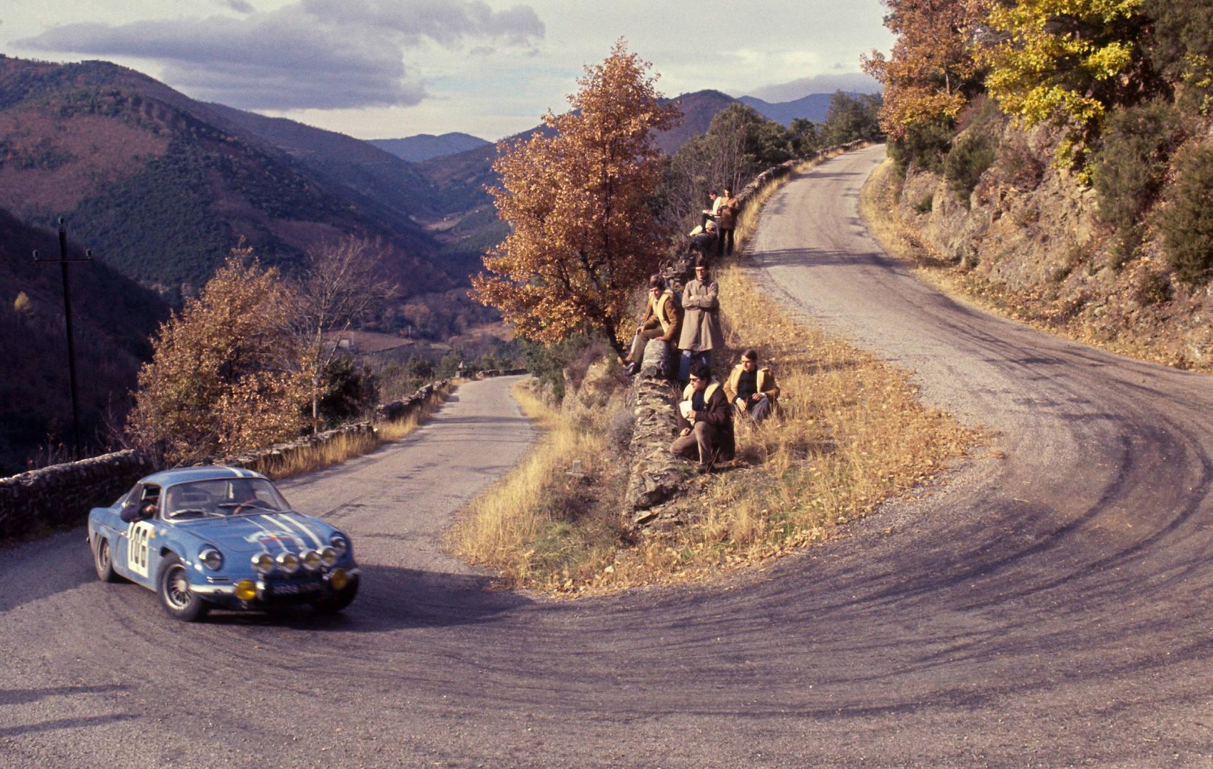 1962-renault-alpine-a110-09