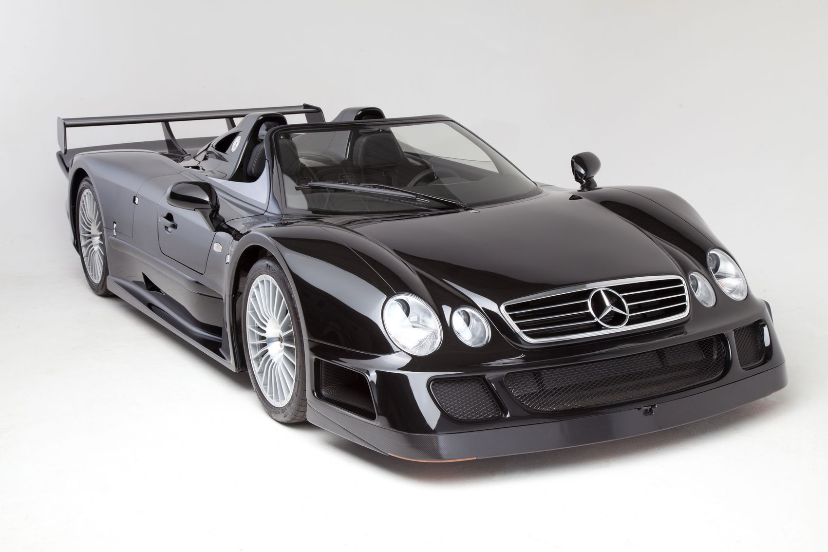 mercedes-clk-gtr-roadster-1