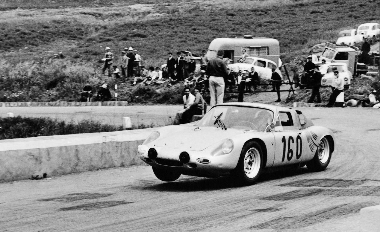 porsche-at-targa-florio-1963-porsche-718-gtr-coupe-1280x960