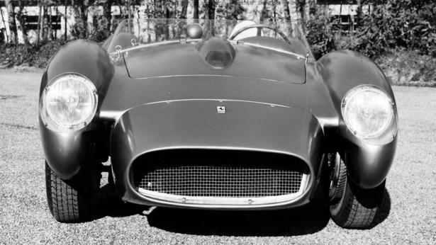22 novembre 1957, Ferrari presentava la 250 Testa Rossa