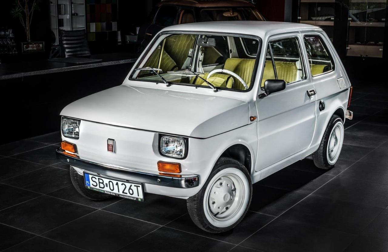 2017-Fiat-126p-Tom-Hanks-01