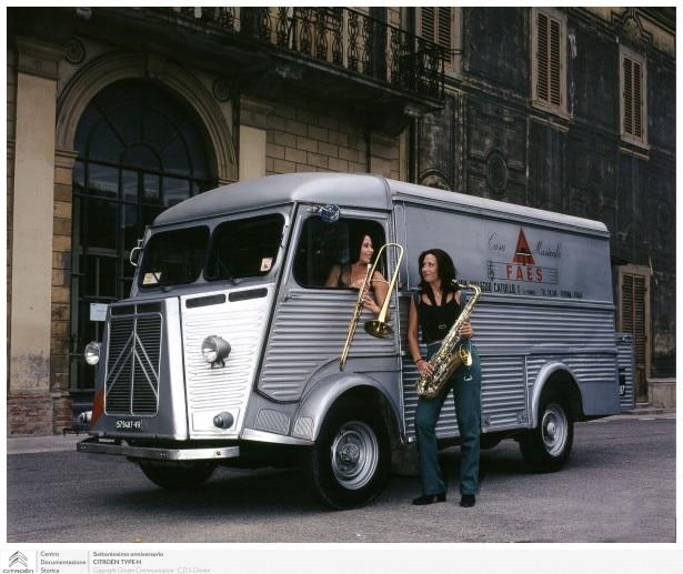 """Citroën """"Tipo H"""", fa 70 anni il papà di tutti i furgoni"""