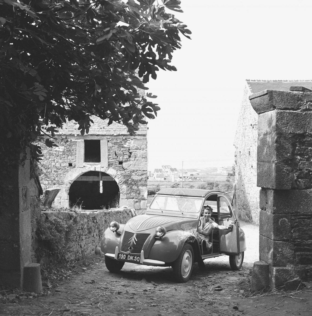 Citroën 2CV, la sfida impossibile vinta da Lefèbvre