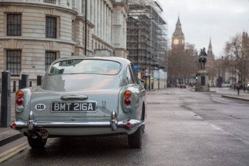 Aston Martin, rinasce la DB5 di James Bond