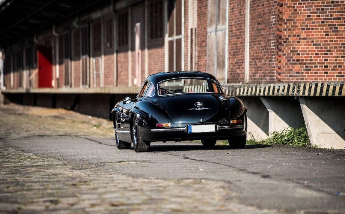 I segni particolari della Mercedes 300 SL rubata al Nürburgring