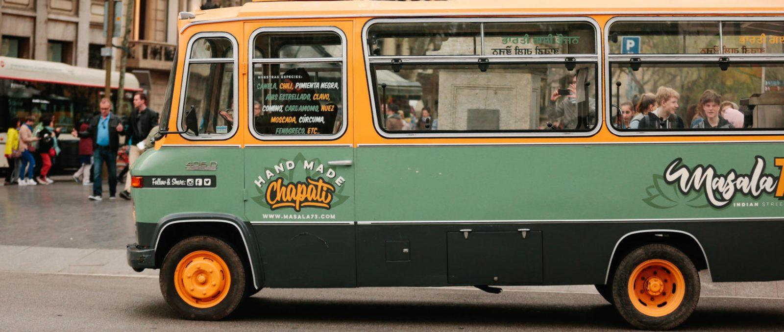 Masala73, il van Mercedes che porta la magia dell'India a Barcellona