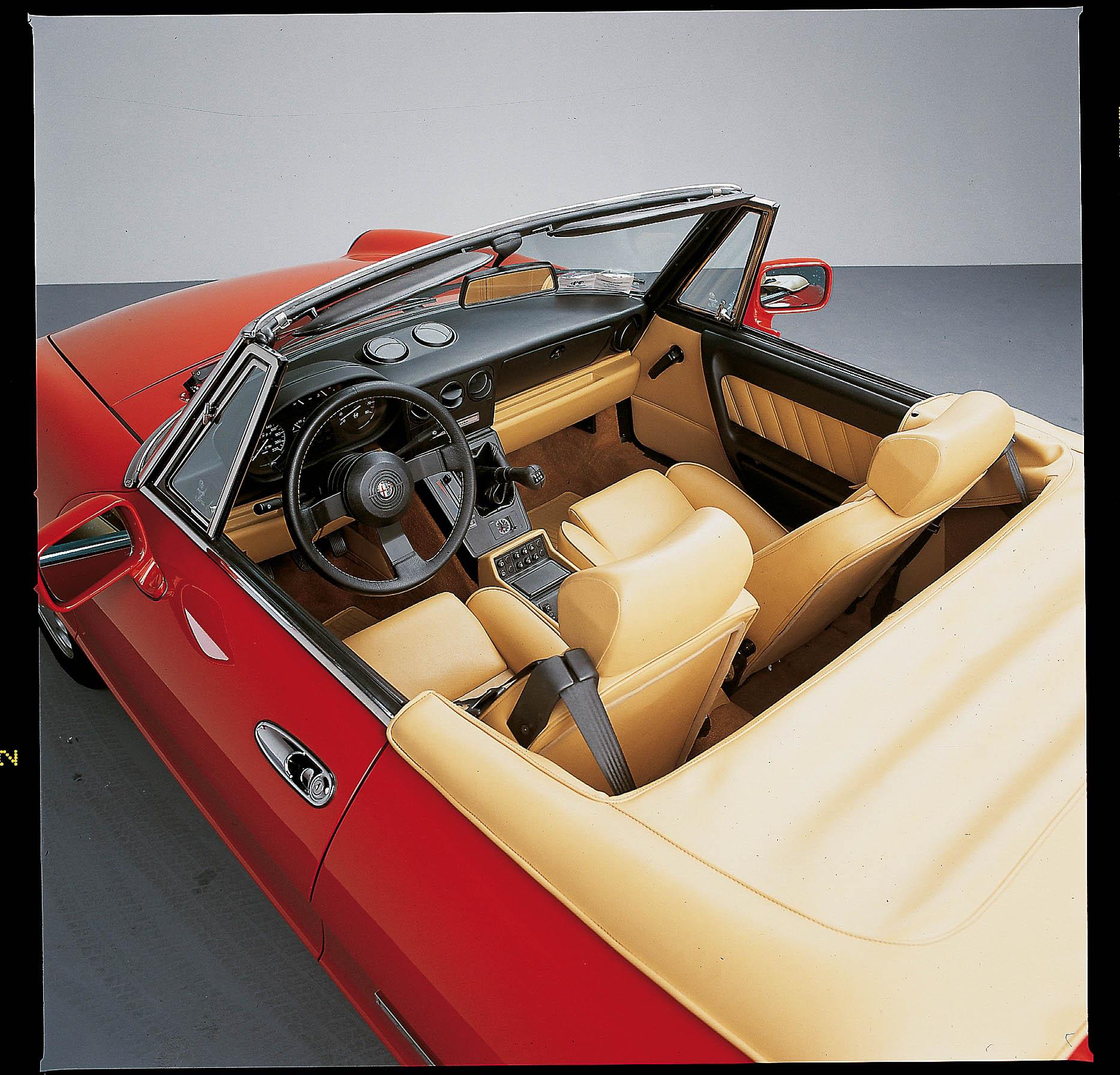 Alfa Romeo Spider 4a Serie: L'ultima Della Stirpe