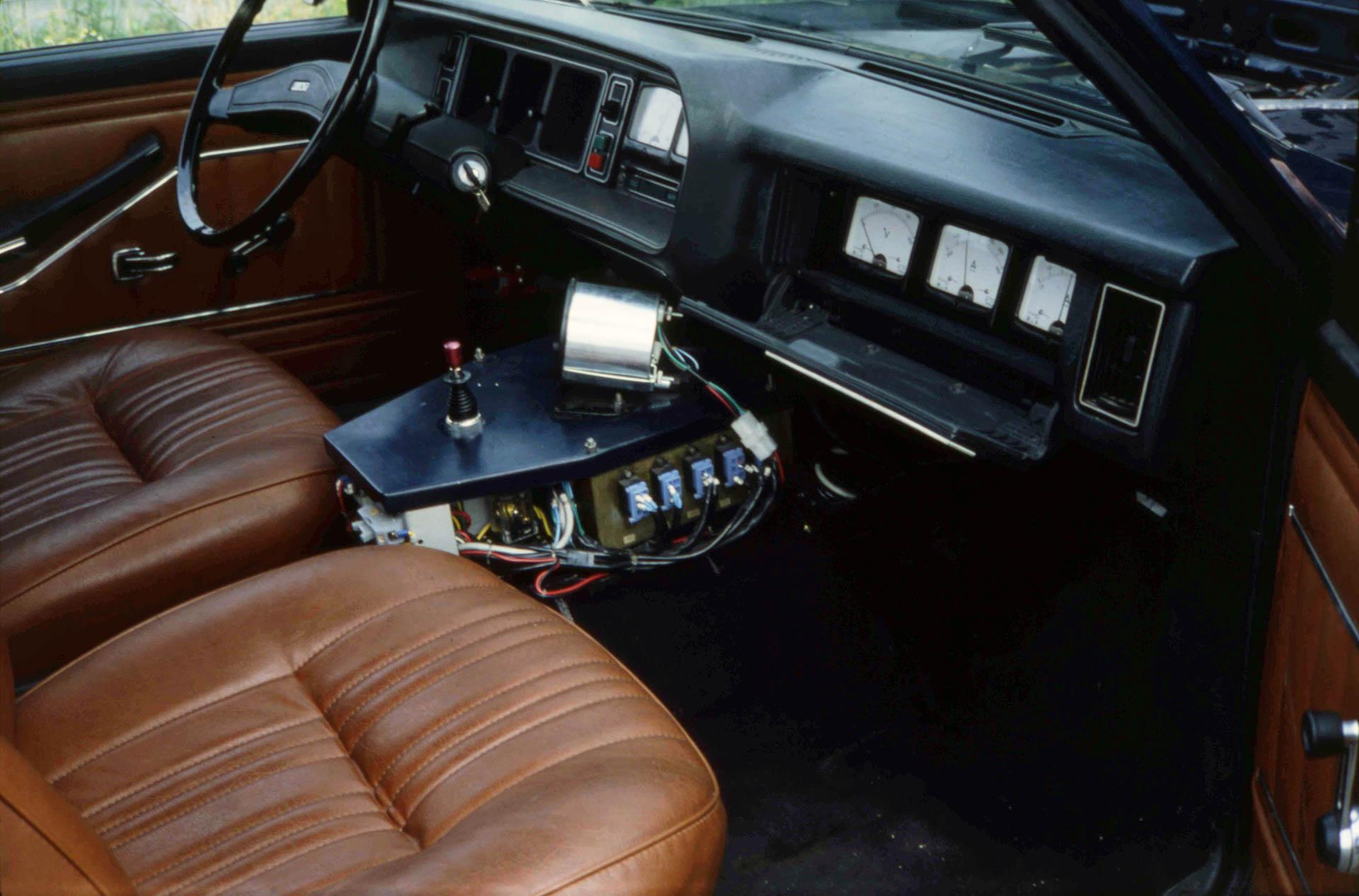 Prototipi mai realizzati e di prova - Pagina 13 Fiat-131-ibrida-plancia-6