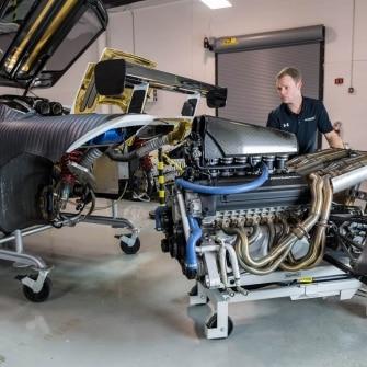 McLaren F1, revisione del motore V12 di origine BMW
