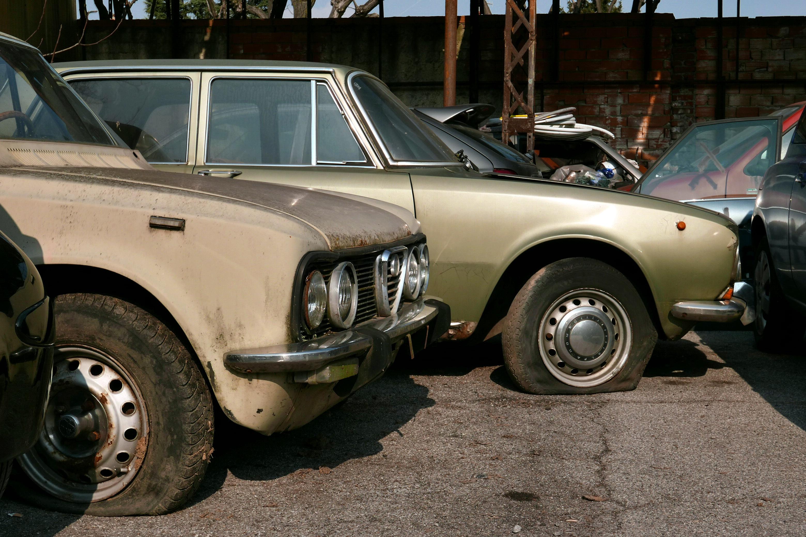Datazione vecchie auto