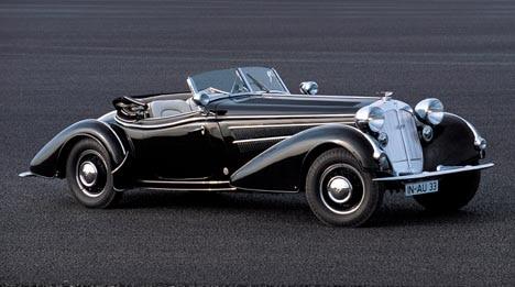 """Sfarzosa. La """"855 Sport Roadster"""" è, e vuole apparire, un'auto di lusso. Ciò spiega perché la Horch avesse preferito la carrozzeria Erdmann&Rossi al pur bravissimo Gläser, abituale fornitore di carroz"""